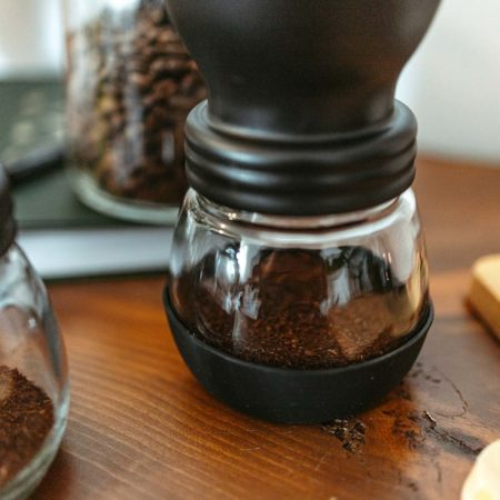 manual grinder for whole bean coffee, manual grind for coarse or fine coffee grinds, freshly ground coffee, coffee grinder for camping, GROSCHE Bremen