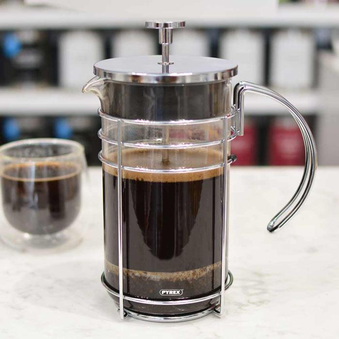 enjoying-fresh-brewed-coffee-in-a-grosche-madrid-french-press-700x700