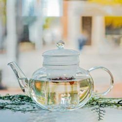 GROSCHE monaco teapot for loose leaf tea with glass infuser steeping tea in teapot